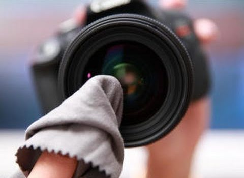 Guide to cleaning lens of your DSLR camera